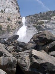 Day hike to little known 90-story waterfall in Yosemite National Park