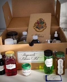 Cooler Geeks - Harry Potter potions kit The creativity behind this gift is just amazing. #geeky #coolthingstobuy #thatseasier