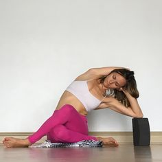 Health Inspiration Yin Yoga - Side Body audio class and playlist included! Iyengar Yoga, Yoga Pilates, Restorative Yoga, Ashtanga Yoga, Pilates Reformer, Kundalini Yoga, Vinyasa Yoga, Yoga Meditation, Yoga Yin