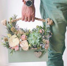 New Succulent Arrangements Box Ideas Silk Flowers, Spring Flowers, Dried Flowers, Paper Flowers, Candy Flowers, Faux Flowers, Fresh Flowers, Flower Box Gift, Flower Boxes