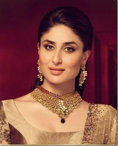 Kareena_Kapoor_Malabar_Diamond and Golds (1)
