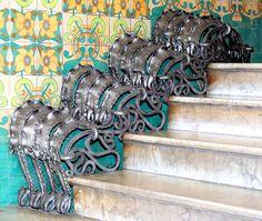 Barcelona - Gran de Gràcia 077 t by Arnim Schulz, via Flickr