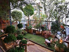 Varanda do jardim Grandes 45 super ideias - balcony Extension - Paisagismo Small Balcony Design, Small Balcony Garden, Small Balcony Decor, Rooftop Garden, Balcony Gardening, Big Garden, Apartment Balcony Garden, Indoor Balcony, Apartment Balcony Decorating
