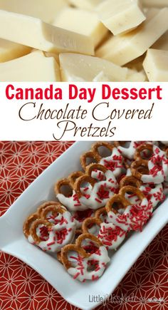 Canada Day Dessert Idea - Chocolate Covered Pretzels Canada Day Dessert Idea - Chocolate Covered Pretzels - These pretzels can be changed up and done for any occassion. Köstliche Desserts, Chocolate Desserts, Delicious Desserts, Dessert Recipes, Chocolate Party, Chocolate Chocolate, Candy Recipes, Canada Day Party, Canada Day Crafts