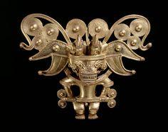 Anthropomorphic bat pectoral, Tairona, gold alloy, AD900-1600. © Museo del Oro – Banco de la República, Colombia.