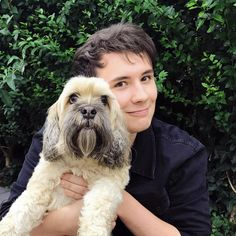 a well groomed pup and a scruffy mongrel<<< Oh yes Colin is very well groomed