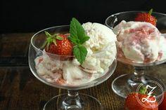 Eiskalt erwischt mit Caro und Quarkeis mit Erdbeerswirl