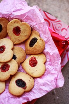 Eggless Princess Hearts with Rose bits and Jam Hearts!