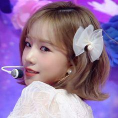 My Girl, Cool Girl, Japanese Girl Group, Star Girl, The Wiz, Kpop Aesthetic, Halloween Makeup, Kpop Girls, Yuri