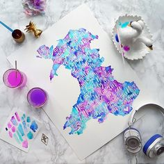 A Welsh lullaby inside a map of Wales☝🏼️A surprise gift for a new mum on her sons 1st Birthday💙💜⠀⠀⠀⠀⠀⠀⠀⠀⠀ Want to commission me to create something special for you? Email me (details in bio) & we can chat!💌