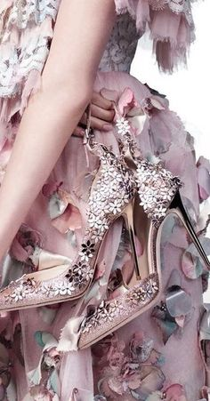 """Jimmy Choo heels and Chanel dress in """"Lush Life"""" for Vogue March 2016 photographed by Willy Vanderperre Pnina Tornai, Floral Fashion, Pink Fashion, Butterfly Fashion, Irina Shayk, Mauve, Lilac, Vogue Us, Vogue 2016"""