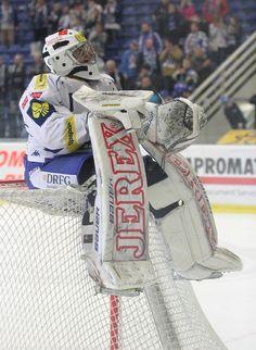 Marek Čiliak sedí na brance Ice Hockey, Google Search, Photos, Hockey