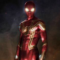 I photoshopped the real Iron Spider suit colors. Marvel Comics, Marvel Comic Universe, Marvel Art, Marvel Heroes, Marvel Avengers, Iron Spider Suit, Marvel Concept Art, Spiderman Kunst, Spiderman Pictures