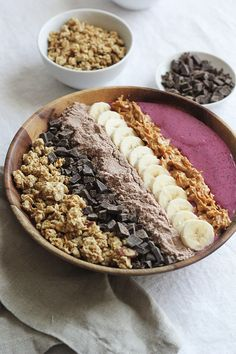 Chocolate + Nut Butter Protein Acai Bowl | Little Peanut Magazine