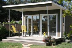 This Florida-based small-house company goes a step further than many of the… Home Design, Modern House Design, Home Interior Design, Backyard Cottage, Backyard Studio, Backyard Office, Garden Studio, Prefab Buildings, Tiny House Blog