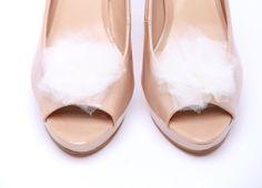 Klipsy do butów Ballerina's Tutu-White  Do kupienia w sklepie internetowym Madame Allure!