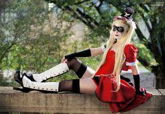 Beautiful Victorian Harley Quinn Cosplay