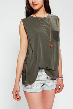 Truly Madly Deeply Contrast Pocket Muscle Tee #urbanoutfitters