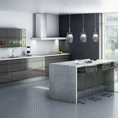 Cuisine Nova - Hygena, j'aime bien le revêtement en beton ciré qui entoure le laqué blanc