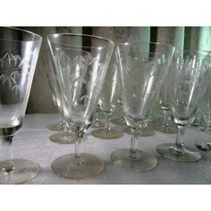 Antique Hand-Etched Bamboo motif Crystal Glass- Set of 12 pieces.early 1900Height: 15,5cmTop Dia: 7,5cmBottom Dia: 6,5cmFooting height: 5cmCondition: minor scratches.
