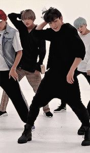 HKPOP — kks: fluffy black hair + all black outfit