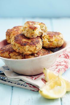 Not familiar with these myself, but they sound South African Fish Cakes Recipe, Fish Recipes, Seafood Recipes, Cooking Recipes, Cooking Fish, Drink Recipes, South African Dishes, South African Recipes, Ethnic Recipes