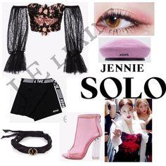 #Kpop #Blackpink #SOLO #Girlgroup #outfit #fashion #YGdoUNeedOtherStylist? #Jennie #BPinYourArea #ShiningSolo #koreanfashion #JEllaine