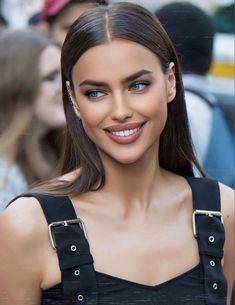 Most Beautiful Faces, Beautiful Smile, Beautiful People, Girl Face, Woman Face, Beauté Blonde, Mode Poster, Beauty Makeup, Hair Beauty