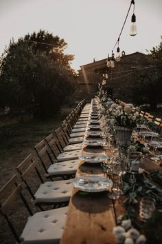 wedding in tuscany wooden naked table setting Federica Cavicchi Photography boho wedding