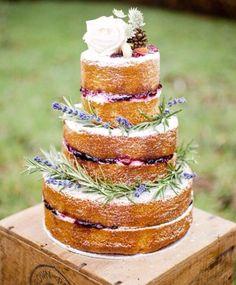 Prachtige naked cake met lavendel