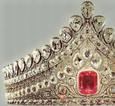 Diadem 1810 Gold, silver, pink diamond, small diamonds. Moscow.    It belonged, most likely, to Elisabeth Aleksandrovna, the wife of Aleksander I.