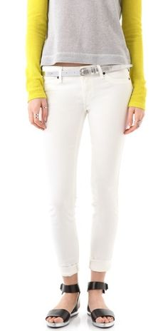 White denim = perfect for summer http://rstyle.me/n/bi2cnckw