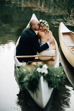 Wedding canoe photo ideas
