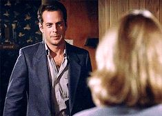 "Bruce Willis ""Come here"" :P in Moonlighting"
