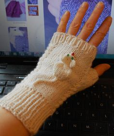 Free Knitting Pattern for Squeaky Mitts