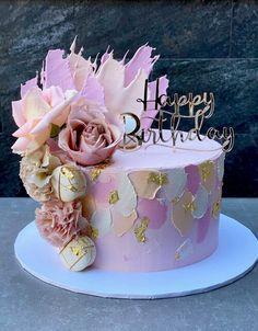 Fancy Birthday Cakes, Beautiful Birthday Cakes, Fancy Cakes, Birthday Cakes Women, Beautiful Cake Designs, Beautiful Cakes, Birthday Cake For Women Simple, Cake Decorating Designs, Gateaux Cake