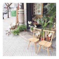 #thenave #deco #design #diseño #diseñointerior #decoracion #diseñodeinteriores #home #house #hotel #hostal #homedecor #housedecor #interiordesign #mobiliario #store #coruña #galicia #vintage #ercol #chair #silla