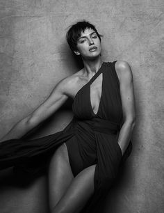 Irina Shayk by Peter Lindbergh, 2018 Peter Lindbergh, Monica Bellucci, Black And White Portraits, Black And White Photography, Portrait Photography, Fashion Photography, Foto Fashion, Annie Leibovitz, Milla Jovovich