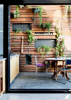 Melanie Clark and Joe Ottone and Family - The Design Files Timber Slats, Timber Deck, Outdoor Walls, Outdoor Living, Outdoor Decor, Outdoor Wall Decorations, Timber Feature Wall, Feature Walls, Wood Slat Wall