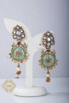 Nice Manubhai Jewellers, Glitz And Glam, Jewelry Crafts, Jewelry Box, Indian Jewelry, Handcrafted Jewelry, Wedding Jewelry, Jewelry Design, Gems