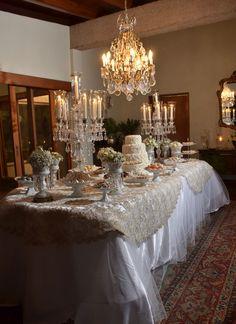Mesa de la torta y dulces