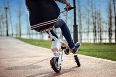 Airwheel E6 smart folding electric bike is also an effective transport means for students or office workers. Riders are impressed by its practicability for E6.
