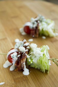 1. Wedge Salad on a Stick: This quick and easy appetizer is and a great way to impress your guests! Perfect for picnics, too. 2. Beet Salad on a Stick: Impress your guests with this delicious... Cheap Appetizers, Quick And Easy Appetizers, Skewer Appetizers, Holiday Appetizers, Easy Appetizer Recipes, Vinaigrette Au Fromage Bleu, Chicken Caesar Salad, Blue Cheese Dressing, Blue Cheese Salad