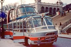 Touring Paris in the 1950s. Straight out of a Jetsons cartoon, get a load of this Citroen U55 Currus Cityrama tour bus that ruled the roads of Paris in the 1950s. #motor #design