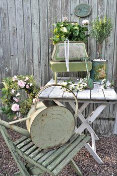 Shabby to Chic McDonough GA | har lyckan att ha kommit över två gamla trädgårdsstolar i en ...