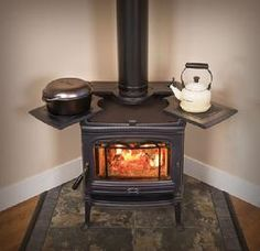 Wood burning stove hearth tiny house 40 ideas Tiny House Ideas burning hearth House Ideas stove Tiny Wood in 2020 Tiny House Living, Home And Living, Wood Stove Cooking, Cooking Bacon, Wood Insert, Old Stove, Stove Oven, Home Decoracion, Stove Fireplace
