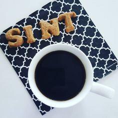 Sint is bijna jarig.  Hoe gaat je de verjaardag van de goedheiligman vieren?  It is almost the birthday from Sintetklaas! How are you going to celebrate?  #pakjesavond #sinterklaas #sintenpiet #goedheiligman #jarig #5december #teamcaffeine #happybirthday #koffietje #instacoffee #coffeegram #pieten #coffeeshots #myespresso