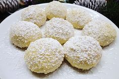 Butterhupferl, a delicious recipe from the Cookies & Cookies category. German Cookies, Biscotti Cookies, Peanut Butter Recipes, Ciabatta, How Sweet Eats, Christmas Baking, Finger Foods, Sweet Recipes, Cookie Recipes