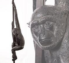 Sculpture de Gibbon en bronze, signé Florence Jacquesson.