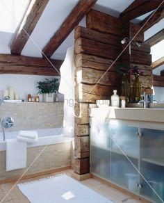 waschtisch holzbalken interessante ideen haus garten livestil pinterest. Black Bedroom Furniture Sets. Home Design Ideas